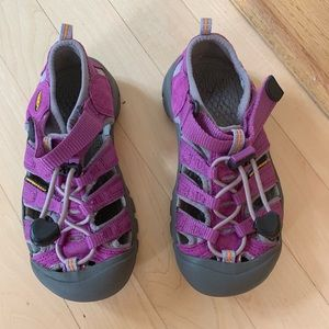 Girls purple keens